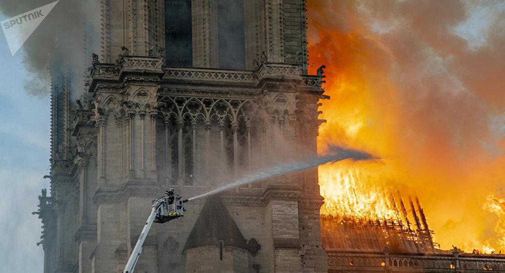 Notre Dame De Paris : Dangerosité De La Contamination Au Plomb